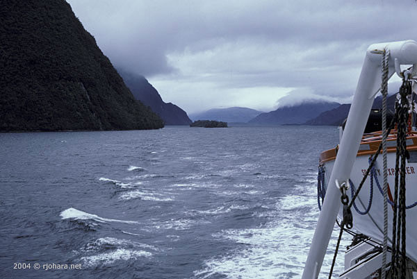 [The fiords of Chile viewed from the cruise ship 'Lindblad Explorer'.]